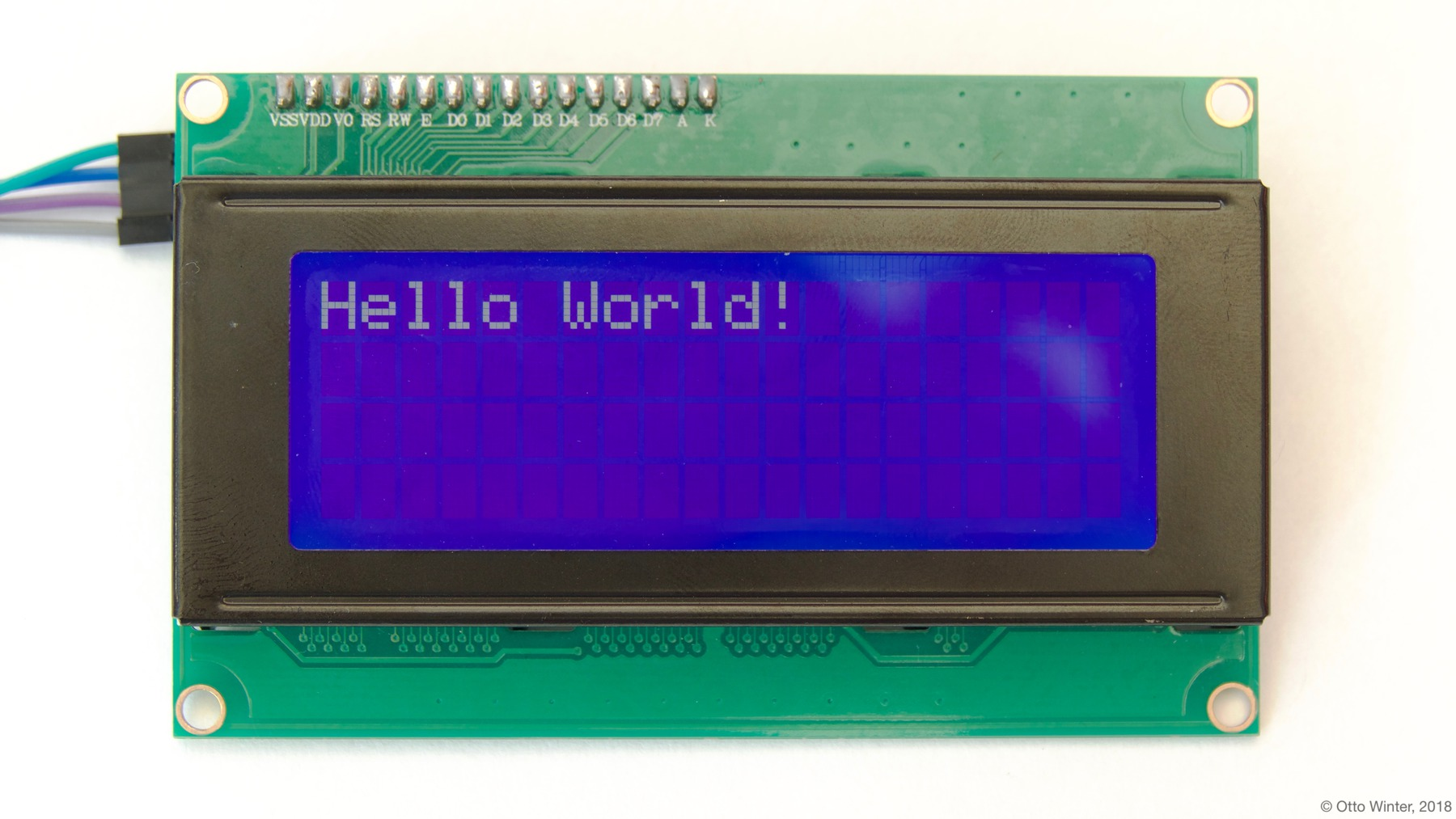 ../../../_images/lcd-hello_world.jpg