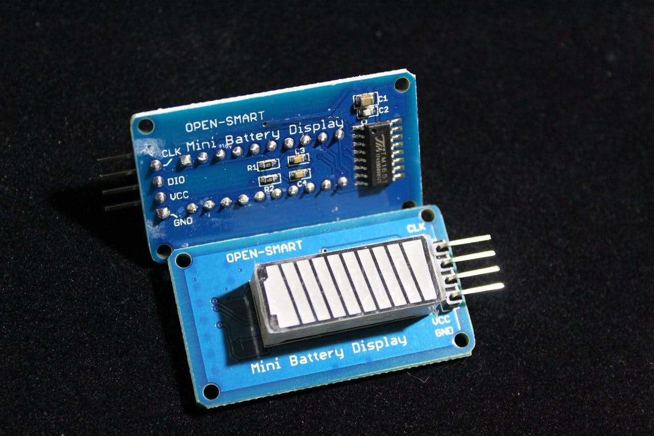 ../_images/tm1651-battery-display.jpg